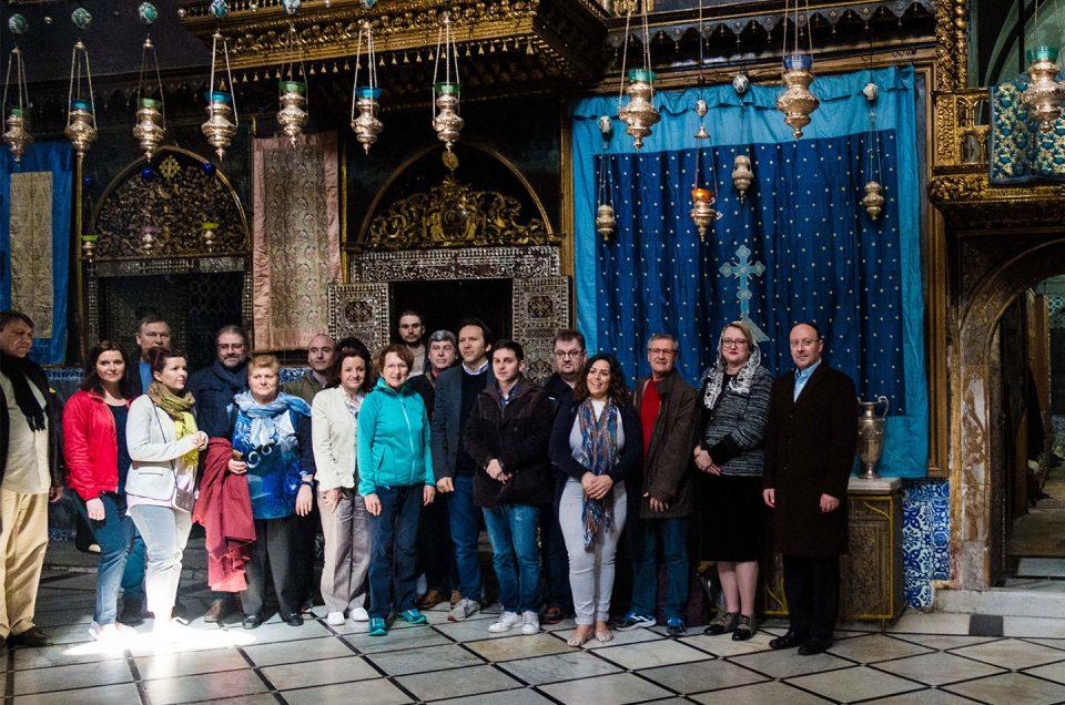 Una delegación de la Federación visita la Catedral de Santiago en Jerusalén